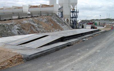 Báscula puente móvil de sobresuelo con plataforma metálica