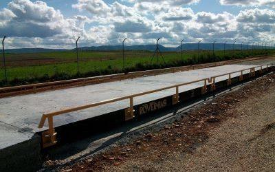Báscula puente modular de sobresuelo con plataforma metálica